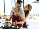 15 знака, че съпругът ви е най-добрият ви приятел