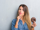4 причини често да ви се хапва сладко