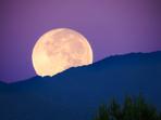 Лунното затъмнение и пълнолунието на 5 юли носят промени за 3 зодии