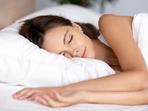 Коя поза за сън причинява най-много бръчки?