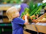 Как да накарате децата да се хранят с цветовете на дъгата