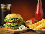Какво точно причинява бързата храна на тялото и мозъка?