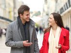 Как да накарате мъж да ви забележи и хареса