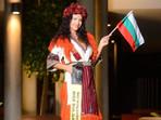 Българката Лидия Янева се бори за световната титла Mrs Worldwide в Сингапур