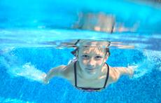 Какво ни дебне от плувния басейн?