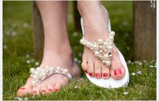 Красиви чехли с перли