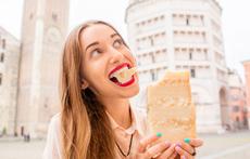 Какво се случва в тялото, ако ядете сирене всеки ден?