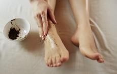 Домашен ексфолиант за красиви крака през лятото