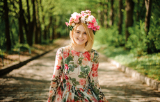 Деним и цветя в пролетната мода