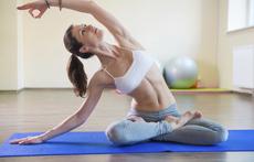 Как йогата помага да отслабнем