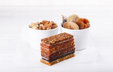 Новата суперхрана – сурови барчета с ядки и плодове