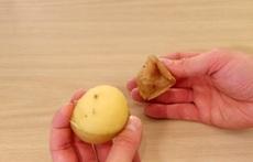 Обелете лесно картофите