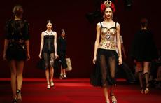 Дантела и страст на фламенко в колекцията на Dolce&Gabbana (галерия)