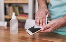 Колко често и как e правилно да дезинфекцирате телефона си?