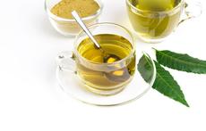 Чай от нийм – ползи за здравето, кожата и косата