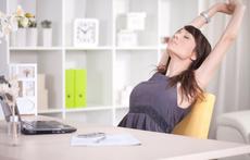 Как да седим правилно при работа с компютър (видео)