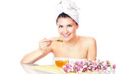 7 грижи с мед за коса, кожа и нокти