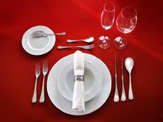Познаваме ли етикета на хранене и знаем ли как да се държим на масата