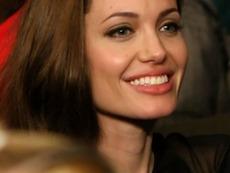 Анджелина Джоли планира да отстрани и яйчниците си