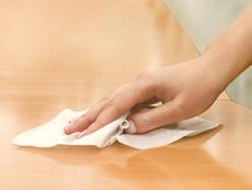 Какво не е добре да почиствате с антибактериални кърпички?