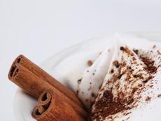 Десерт с маскарпоне и целувки