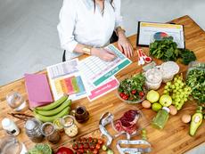 Какви храни трябва да включва диетата ви според възрастта ви