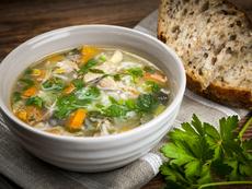 Пилешка супа с ориз и зеленчуци