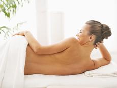 Как да се сдобием с перфектна кожа на гърба?