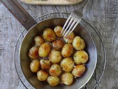 Пресни запечени картофи с пармезан