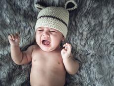 Какво се случва, когато оставите бебето да плаче