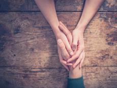 Защо докосването е толкова важно за връзката?