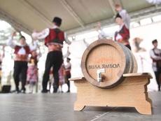 """С над 3000 литра тракийско вино поляха празника на """"Вила Ямбол"""""""