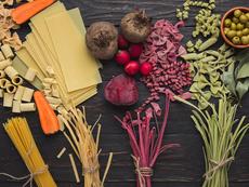 Забавни идеи как да си направите цветна паста
