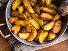Хрупкави картофи с кожичка и подправки