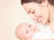 УНИЦЕФ подкрепя родители на малки деца
