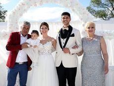 Синът на Николина Чакърдъкова се ожени пред 350 гости (снимки)