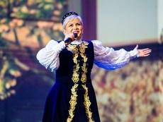 Николина Чакърдъкова посрещна рождения си ден на път