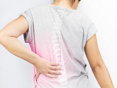 Ежедневни навици, които съсипват гръбнака