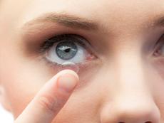 4 сериозни причини да не спите с лещи