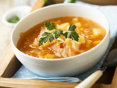 Зелева супа със зеленчуци