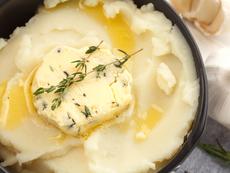 Картофено пюре със сметана и чедър