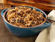 Задушен ориз с боб