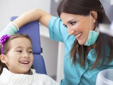 Детският зъболекар – важен е подходът към зъбите, но и към страховете на децата
