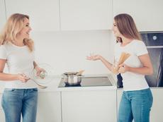 Как родителите да стимулират тийнейджъра си да споделя свободно