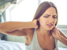 Причини за болки във врата и гърба по време на сън