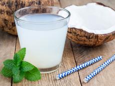 Здравословни ползи от кокосовата вода през бременността
