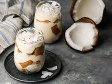 Бишкотена торта с маскарпоне и кокос