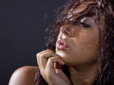 Как да премахнете неприятната миризма от косата?