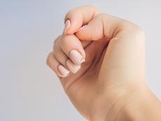 Как да заздравите чупливите и слаби нокти?