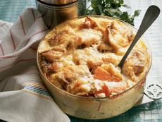 Огретен с картофи, праз лук и шунка